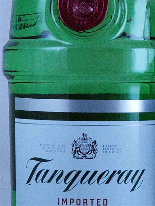 Tanqueyray Imported Dry Gin / London
